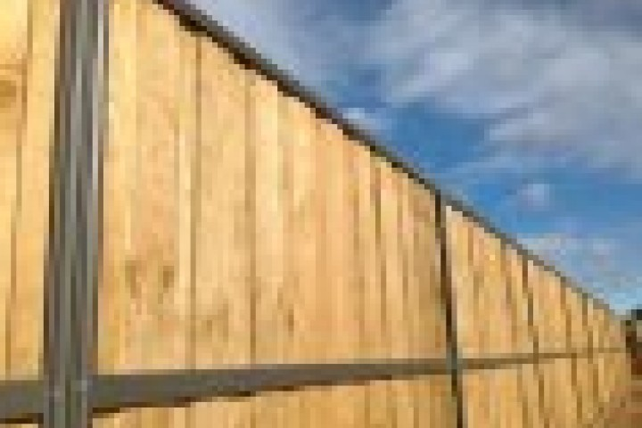 Pool Fencing Lap and Cap Timber Fencing 720 480